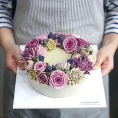 오늘도 꽃모닝:-) 10월 마지막 수업, 수강생 작품 4주동안 너무 잘해주셨어요. 곧 심화반에서 만나요 #flowercake #cake #dessert #buttercream #delicious #cakedesign #beanpaste #flower #flowerstagram #like #baking #bakingtime #꽃스타그램 #꽃 #앙금플라워 #플라워케이크 #당충전 #달달 #냠냠 #생신케이크 #취미스타그램 #취미 #떡케이크 #케이크 #힐링 #예쁘다 #베이킹