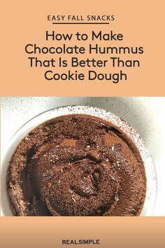 dessert hummus Our chocolate hummus recipe will satisfy any chocolate craving, and it's rich in protein (a total bonus). Dessert Hummus Recipe, Gourmet Recipes, Cooking Recipes, Easy Cooking, Dinner Recipes, Chickpea Cookies, Chickpea Cookie Dough, Healthy Cookie Dough, Chocolate Hummus