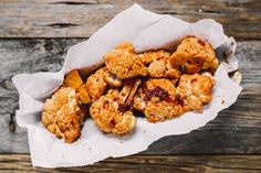 Enjoy classic wings — sans meat — with these three tasty cauliflower wing variations. Bbq Cauliflower Wings, Tasty Cauliflower, Healthy Vegan Snacks, Vegan Desserts, Healthy Recipes, Food Network Canada, Homemade Bbq, Tasty Bites, Yummy Appetizers
