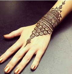 Browse the latest Mehndi Designs Ideas and images for brides online on HappyShappy! We have huge collection of Mehandi Designs for hands and legs, find and save your favorite Mehendi Design images. Henna Hand Designs, Mehndi Art Designs, Latest Mehndi Designs, Beautiful Henna Designs, Bridal Mehndi Designs, Mehndi Designs For Hands, Henna Tattoo Designs, Mehndi Tattoo, Cuff Tattoo