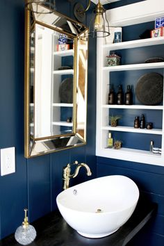 BelaTinyHousebathroom.jpg (1500×2250)