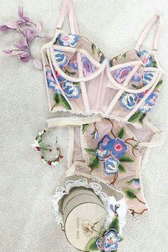 Lingerie Fine, Lingerie Outfits, Sheer Lingerie, Pretty Lingerie, Beautiful Lingerie, Lingerie Set, Seductive Lingerie, Lingerie Party, Lingerie Dress