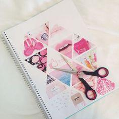 Transformez vos cahiers avec ce tuto super facile ! Découpez des formes géométriques comme des triangles dans des pages de vos magazines préférés et collez-les comme sur l'image sur la couverture du cahier !
