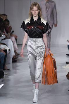 cfce5807a8e22 Calvin Klein Spring 2018 Ready-to-Wear Collection