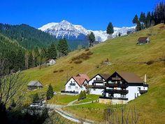 Tourist Places, Mount Rainier, Romania, Zen, Places To Visit, Mountains, Travel, Hacks, Cabin
