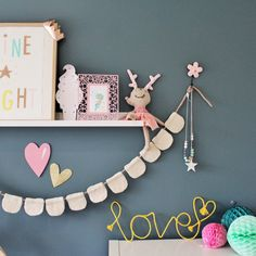 DIY easy wall art hanging for the home
