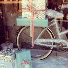 My Perfect Shop Display for some christmas glitz Retail Windows, Store Windows, Christmas Store, Christmas Shopping, Christmas Ideas, Christmas Holiday, Store Window Displays, Christmas Window Display Retail, Christmas Displays