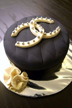 chanel cake..I love this Cake!!!  #chanel