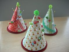 Alpine Wonderland pincushion http://www.rileyblakedesigns.com/cutting-corners/?page=7#