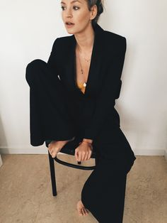 The girl in the black suit - Anouk Yve