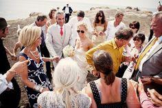 bride in aviators, my kinda bride