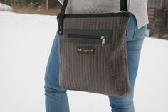 Messenger Bag, Satchel, Quilts, Bags, Fashion, Handbags, Moda, Fashion Styles, Quilt Sets