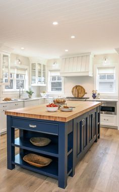 Kitchen with Blue Island White kitchen with butcher block island painted in Old Navy by Benjamin Moore Blue Kitchen Island, Kitchen Island Storage, Farmhouse Kitchen Island, Modern Farmhouse Kitchens, Home Kitchens, Small Kitchens, Kitchen Island On Wheels, Kitchen Island Lighting, Island Blue