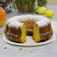 Предлагаю вашему вниманию легкий осенний рецепт тыквенного кекса. Я очень люблю тыкву, и мне нравится использовать ее в различных рецептах для приготовления десертов, так как она придает великолепный вкус, цвет и текстуру. Этот тыквенный кекс является одним из моих фаворитов, среди тыквенной выпечки в осенние дни. Кекс получается влажный, ароматный с легкой лимонной ноткой, идеально сладкий и очень вкусный! Непременно попробуйте испечь этот кекс, чтобы побаловать себя и своих близких… Маффин, Завтрак, Десерты, Еда, Youtube