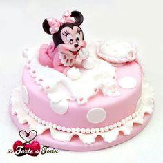 Visita: https://clairessugar.blogspot.com.es/ para recetas paso a paso con vídeos divertidos y fáciles!  ^^ Baby Minnie Cak