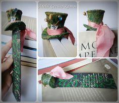 Marcador de Páginas Divertidos  - Cartola do Chapeleiro Maluco  Marcador feito em papel resistente, decoração feita em biscuit.