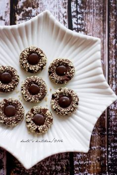 If you are looking for better Resep Kue Kering Asin Dan Gurih cooking recipes you've come to the right place. Cheese Cookies, Biscuit Cookies, Cake Cookies, Chocolate Cookies, Chocolate Desserts, Almond Chocolate, Cookie Recipes From Scratch, Thumbprint Cookies Recipe, Sweets