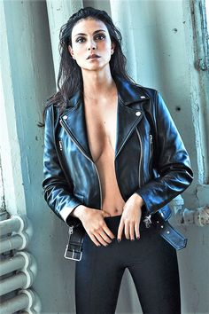 Morena Baccarin poses in Acne Studios leather jacket and The Row pants for GQ Magazine Mexico December 2016 issue Morena Baccarin Deadpool, Morena Baccarin Gotham, Beautiful Celebrities, Beautiful Actresses, Hot Brunette, Celebrity Beauty, Bikini Pictures, Hollywood Celebrities, Female Celebrities