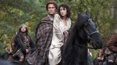 'Outlander' premiere: Jamie and Claire's first kiss is 'pretty hot,' Sam Heughan says - Zap2it | News & Features