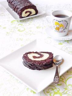 "Rulada ""Krem a la Krem"" - La multi ani mama! Cream Cake, Panna Cotta, Pudding, Sweet, Ethnic Recipes, Desserts, Cake Rolls, Food, Cakes"