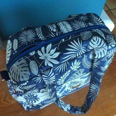 KouzouKoutoumi sur Instagram: Joli sac pour une petite princesse pour faire bientôt la rentrée chez la nounou. Bisous ma poupette💕 #sacotin #sacboogie #tissudurenard…