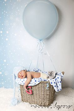 newborn ideas photography photoshoot baby balloon boy cute sleepy