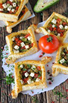 Ciasto francuskie z awokado Bruschetta, Avocado Toast, Menu, Snacks, Baking, Breakfast, Ethnic Recipes, Sweet, Impreza