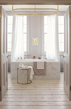 Farmhouse bathroom furnishings, bathroom inspiration, and master bathroom tips. A round up of dream bathroom designs, rustic master bathroom a few ideas and strategies for styling your powder rooms. Bad Inspiration, Bathroom Inspiration, Interior Inspiration, Dream Bathrooms, Beautiful Bathrooms, Master Bathrooms, Luxury Bathrooms, White Bathrooms, Small Bathrooms