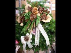 Allerheiligen 2009 Bilder - YouTube All Souls Day, Christmas Wreaths, Make It Yourself, Holiday Decor, Youtube, All Saints Day, Flowers, Pictures, Christmas Swags