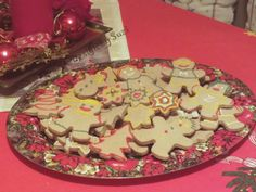 Design by Suzi: Perníková chalúpka Gingerbread, Baking, Cake, Desserts, Christmas, Food, Design, Tailgate Desserts, Xmas