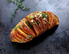 These hasselback sweet potatoes could be the perfect Christmas side dish. Easy to make, but looks so elegant!