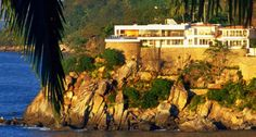 """Casa La Vista - Vistalegrerentals.com  Once upon a time, on a beautiful beach of Mismaloya Bay, Richard Burton and Elizabeth Taylor fell in love. The """"Night of the Iguana"""" was filmed, and Puerto Vallarta became famous."""