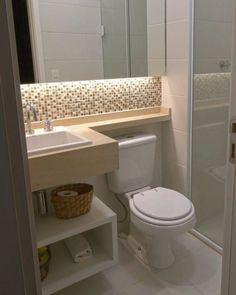 PÁGINA INICIAL BANHEIROS COZINHAS SALAS QUARTOS CONSTRUÇÃO ÁREA EXTERNA DECORAÇÃO TEMÁTICO BANHEIROS 56+ banheiros pequenos: dicas e inspirações Comentar3.225 Visualizações7 minutos de leitura Um dos menores ambientes de uma casa, e principalmente de um apartamento é o banheiro. Porém, mesmo pequeno, esse ambiente merece nossa atenção, afinal, ele é bastante utilizado, não é mesmo? Todo mundo quer um banheiro decorado e bonito. Para isso, trouxe algumas dicas para otimizar esse espaço e deix