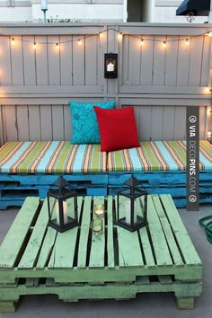 Outdoor Living Spaces You'll Never Wanna Leave Garden furniture diyGarden furniture diy Diy Garden Furniture, Pallet Furniture, Outdoor Furniture Sets, Furniture Ideas, Porch Furniture, Antique Furniture, Bedroom Furniture, Primitive Furniture, Modular Furniture