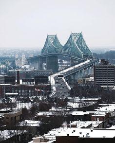 TOP Montréal  par @simonlachapelle #TopMontrealPhoto Allez sur la galerie à la une pour partager les likes!! Look at the featured gallery to share the L❤VE #CommunityFirst