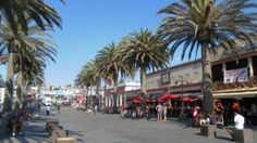 Hermosa Beach, CA: Pier Avenue: Sharkeez and American Junkie