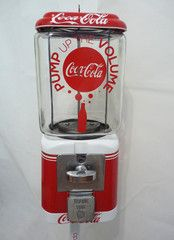 vintage antique Oak/ Acorn 10 cents machine, it was completely restored, all metal part are sanded and powder coated Coca Cola all parts are the original parts, 10 cent coin mechanism, original 1950's