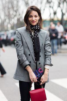 #streetstyle #thesartorialist #redbag #scarf #elegance #grey #blazer