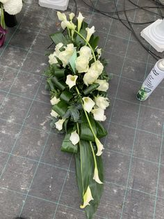 Funeral Flower Arrangements, Funeral Flowers, Floral Arrangements, Bouquet Holder, Casket Sprays, Grave Decorations, Flower Bouquet Wedding, Ikebana, Fresh Flowers