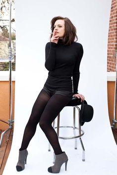 Elisabeth Moss (Born: Elisabeth Singleton Moss - July 24, 1982 (age 32), Los…