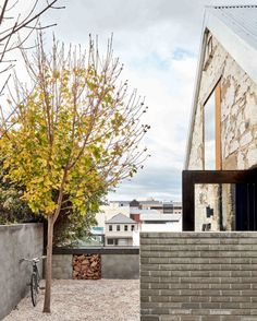 #thebarnTAS: Barn Conversion in Hobart by Liz Walsh and Alex Nielsen   Yellowtrace
