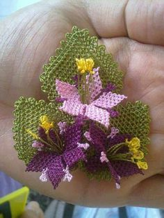 This Pin was discovered by Kad Cross Stitch Needles, Cross Stitch Embroidery, Hand Embroidery, Yarn Crafts, Sewing Crafts, Diy And Crafts, Needle Tatting, Needle Lace, Seed Bead Flowers