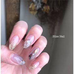 #ジェルネイル #ハンド #大人ネイル #女子会 #シンプル #ラメ #デート #ゴールド #グラデーション #シェル #グレージュ #グレー #ニュアンス #津市ネイル #三重ネイル...|ネイルデザインを探すならネイル数No.1のネイルブック Chic Nail Designs, Simple Nail Designs, Gel Nail Designs, One Color Nails, Nail Colors, Office Nails, Kawaii Nail Art, Japan Nail, Chic Nails