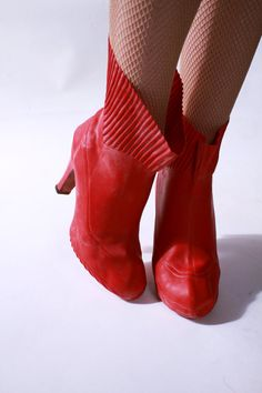 Vintage cherry red 1940s rubber rain booties/overshoes. #vintage #1940s #shoes #boots #spring.  So cute.