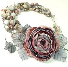 Купить Облачно - Пудровое Утро. Колье и брошь - цветок - комбинированный, серый, розовый, розово-серый