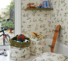 """El célebre artista e ilustrador británico Quentin Blake ha diseñado la colección de papeles pintados y tejidos para habitaciones infantiles """"Zagazoo"""" en exclusiva para la firma de decoración Osborne and Little."""