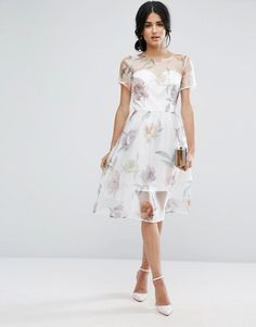 Get your fashion fix with our pick of the best wedding guest gúnas for summer 2017!