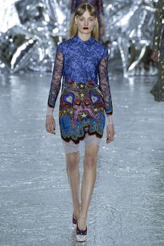 Mary Katrantzou Fall 2016 Ready-to-Wear Fashion Show  http://www.theclosetfeminist.ca/   http://www.vogue.com/fashion-shows/fall-2016-ready-to-wear/mary-katrantzou/slideshow/collection#19