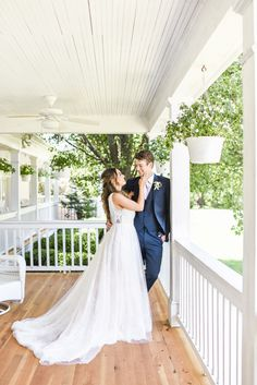 Outdoor wedding photos are perfect on the Hawthorne House porch during the summer! Photo by Sarah Rieth Photography at Hawthorne House near Kansas City Missouri Wedding Venues, Hawthorne House, House With Porch, During The Summer, Kansas City, Wedding Photos, Groom, Reception, Bride