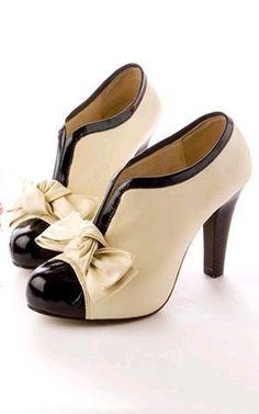 Estos zapatos se parecen a los de los cuentos de la calle Broca, la historia de los zapatos enamorados